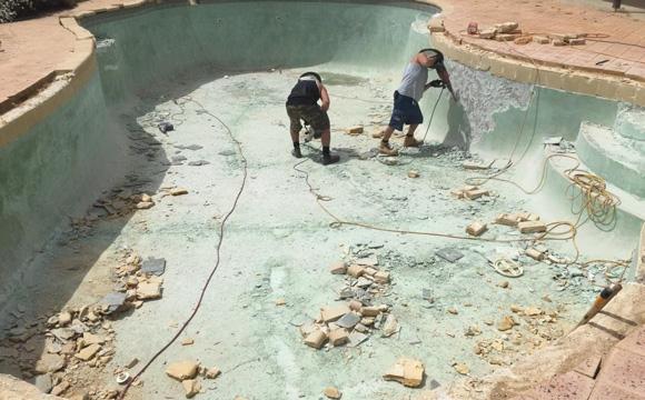 Agrandir une piscine béton, c'est possible