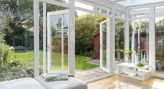 comment rendre sa v randa habitable nos conseils et. Black Bedroom Furniture Sets. Home Design Ideas