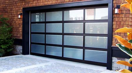 prix d 39 une porte de garage sur mesure co t moyen tarif de pose. Black Bedroom Furniture Sets. Home Design Ideas