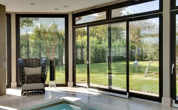 La baie vitrée coulissante, indispensable