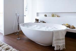 Installer une baignoire ilot ? Tout savoir sur ce projet design