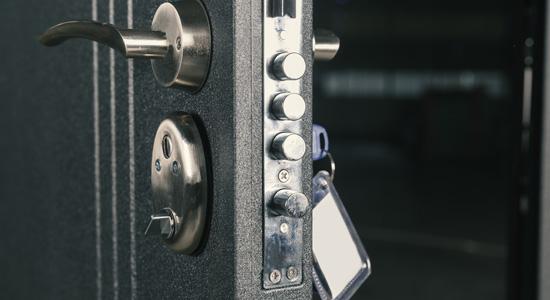 Bien choisir sa porte d'entrée : La sécurité avant tout
