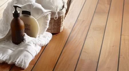 Les types de bois idéaux pour les pièces humides