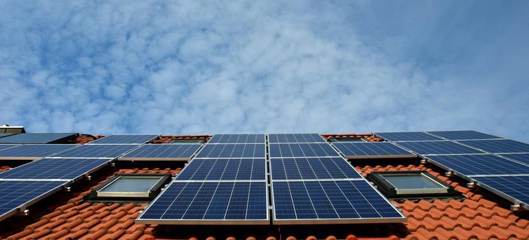 10 bonnes raisons d'investir dans des panneaux solaires