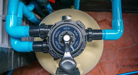 Calculer le débit de filtration d'une pompe de piscine