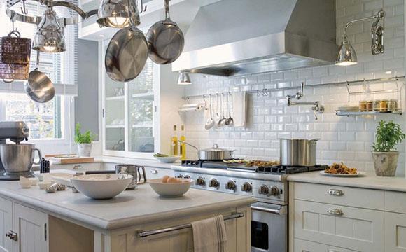 Adapter la pose de carrelage mural à sa cuisine