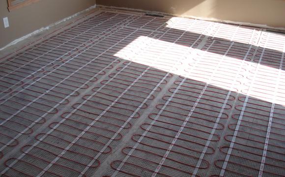 Le chauffage au sol électrique à décider en début de rénovation
