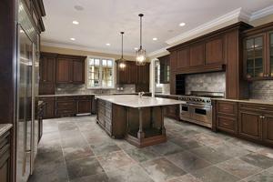 Poser du carrelage au sol de ma cuisine : Conseils et prix
