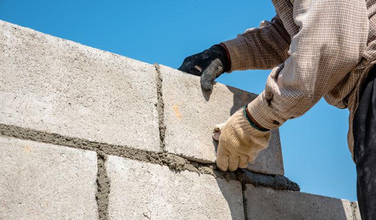 Construction d'un mur de clôture : Coût de la main-d'œuvre
