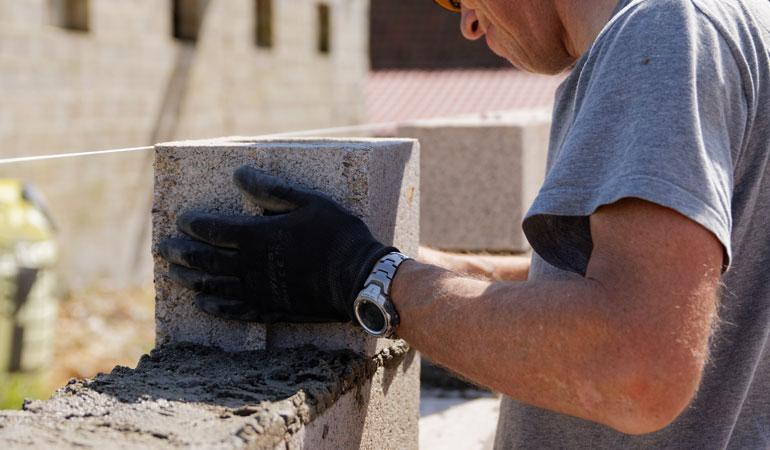 Construction d'un mur en parpaing : Coût de la main-d'œuvre