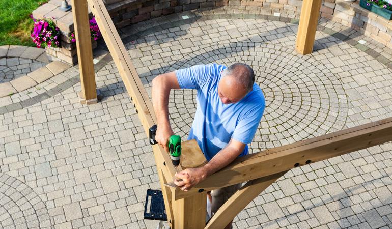 Construction d'une pergola en bois : Coût de la main-d'oeuvre