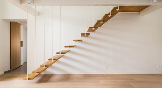Échelle ou escalier : Quel accès pour votre mezzanine ?
