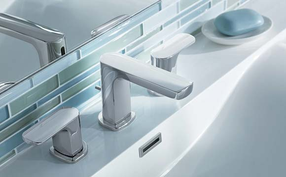 Les éléments extérieurs la partie visible d'une plomberie de salle de bain