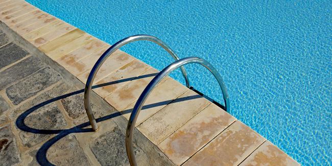 L'étanchéité d'une piscine : Détecter et réparer