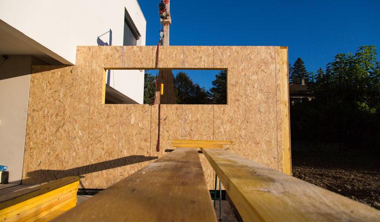 Exemple d'extension bois avec contreventement en OSB