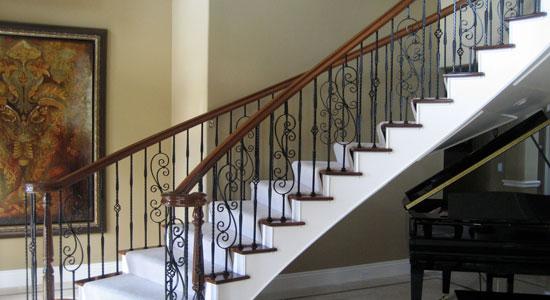 Quelles fixations pour une rampe d'escalier