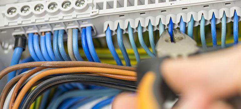 Installation électrique aux normes : Comment le savoir ?