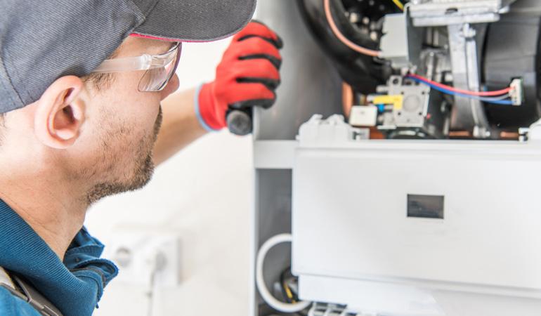 Installation d'une chaudière hybride : Coût de la main-d'œuvre