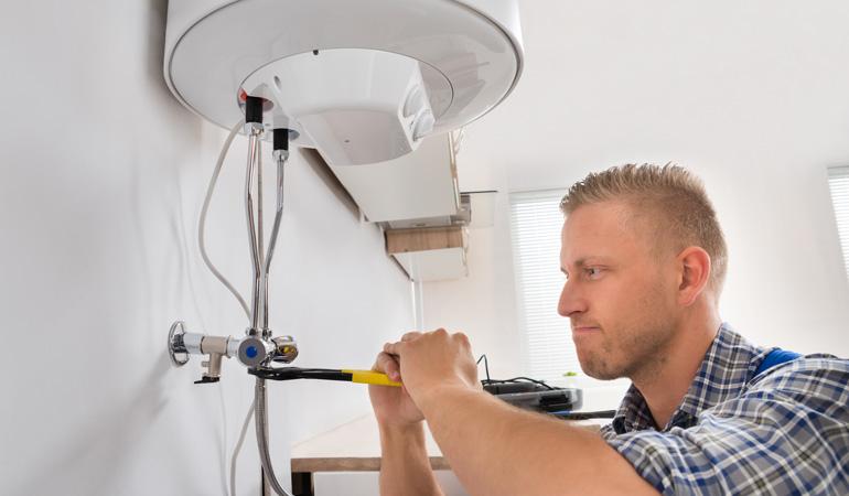 Installation d'un chauffe-eau électrique : Coût de la main-d'œuvre