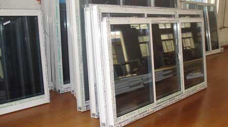 Installation d'une fenêtre aluminium