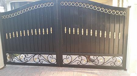 La pose d'un portail sur mesure