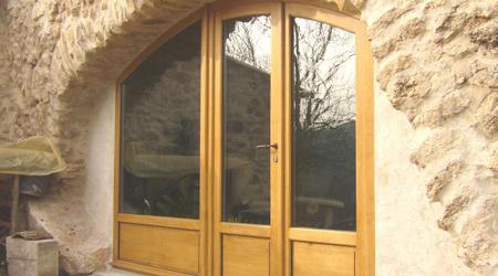 L'installation d'une porte fenêtre bois