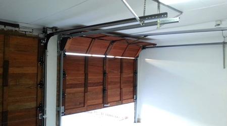 Prix d 39 une porte de garage sectionnelle co t moyen tarif de pose - Pose d une porte ...