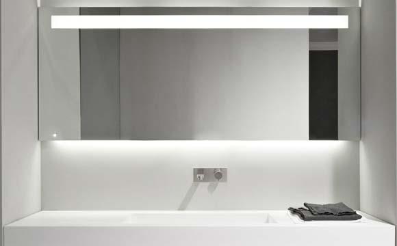 Quel miroir de salle de bain choisir ? Guide d\'achat Prix Pose