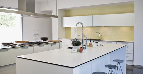 ilot de cuisine un am nagement pratique et esth tique. Black Bedroom Furniture Sets. Home Design Ideas