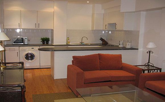 ouverture cuisine sur salon am nager une cuisine ouverte. Black Bedroom Furniture Sets. Home Design Ideas