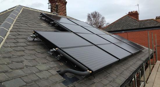 Le panneau solaire hybride est-il le meilleur des deux mondes
