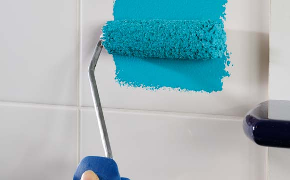 Peindre un carrelage de salle de bain, pourquoi est-ce compliqué