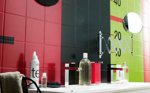 Peinture de salle de bain : quid du carrelage