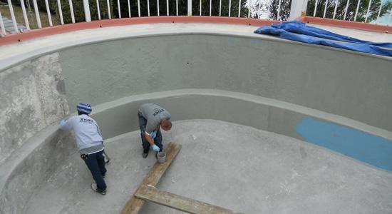 Une piscine en construction : Comment éviter les problèmes