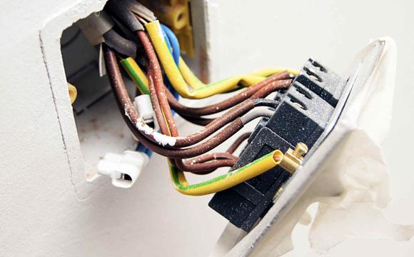 Comment planifier l'installation électrique d'une salle d'eau ?