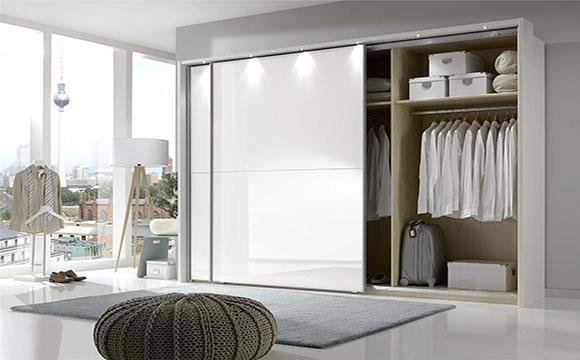 Éléments pour dressing de chambre : les portes