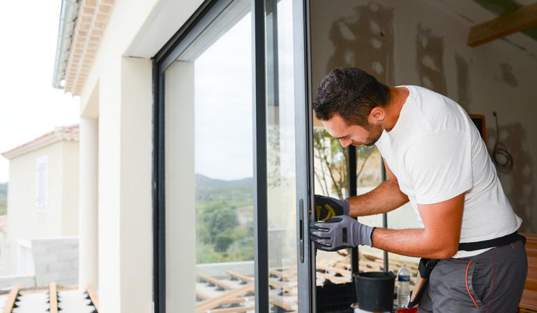 Pose d'une baie vitrée alu : Coût de la main-d'oeuvre