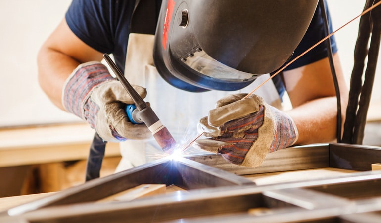Pose d'une charpente métallique : Coût de la main-d'œuvre