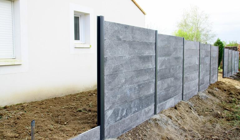 Pose d'une clôture béton : Coût de la main-d'œuvre