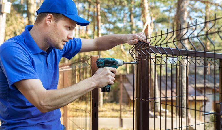 Pose d'une clôture grillage : Coût de la main-d'œuvre