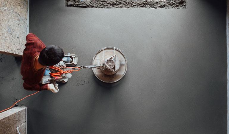 Pose d'une dalle en béton : L'intervention d'un professionnel