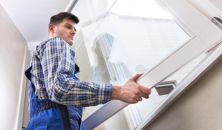 Pose d'une fenêtre double vitrage : Coût de la main-d'œuvre