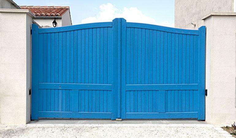 Pose d'un portail en bois : Coût de la main-d'oeuvre