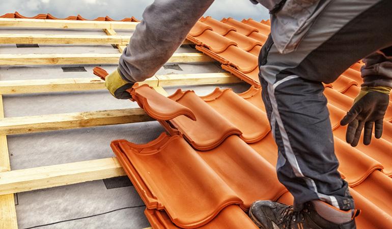 Pose d'une toiture en tuiles : Coût de la main-d'oeuvre