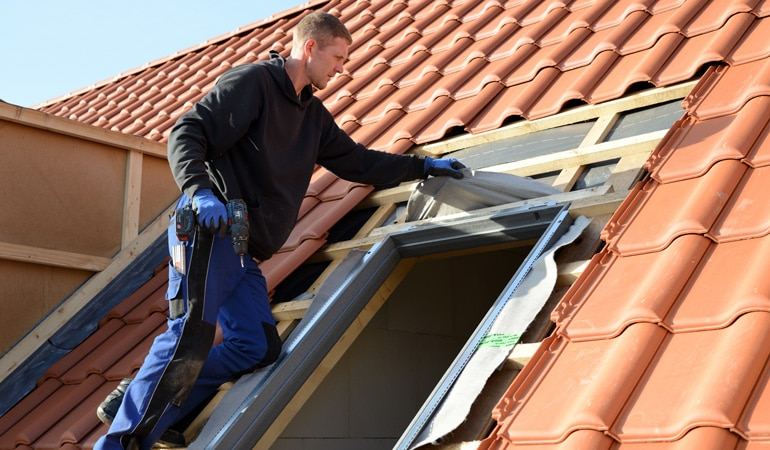 Pose d'un velux : L'intervention d'un professionnel