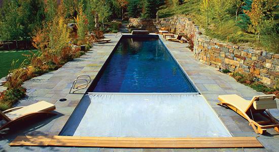 Pourquoi installer une couverture de piscine
