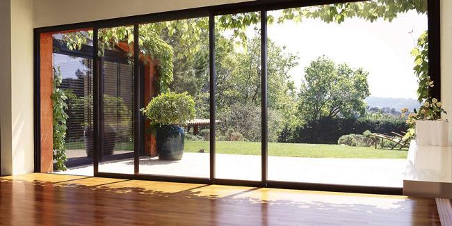 Pourquoi opter pour une baie vitrée coulissante ?