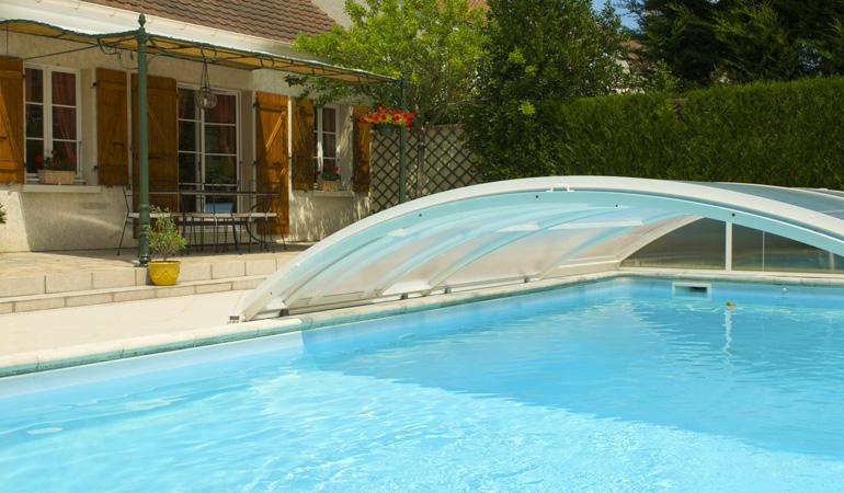 Tarif d'un abri de piscine selon les types d'ouverture