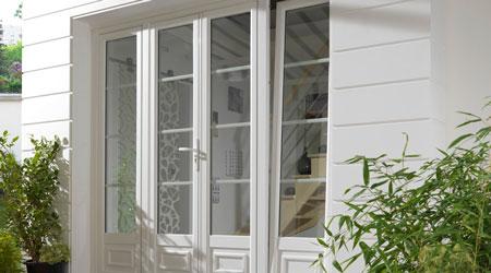 Prix d 39 une baie vitr e co t moyen tarif de pose prix - Remplacer porte de garage par baie vitree ...