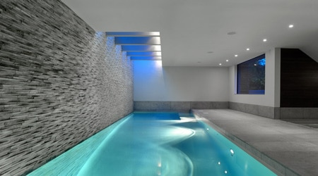 Prix d 39 une piscine d 39 int rieure co t de construction for Most popular flooring in new homes